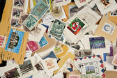 Sammlung von gemischten porto verwendeten briefmarken — Stockfoto