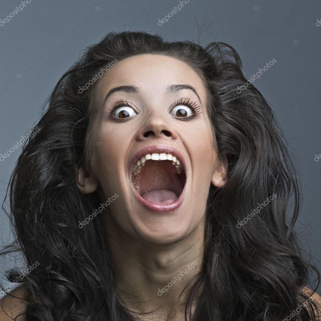 Фото кричащей девушки 21 фотография