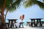 žena v tropické café — Stock fotografie