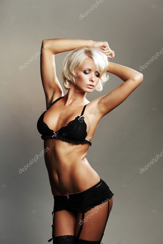 Underwear woman in studio — Stock Photo #9496366