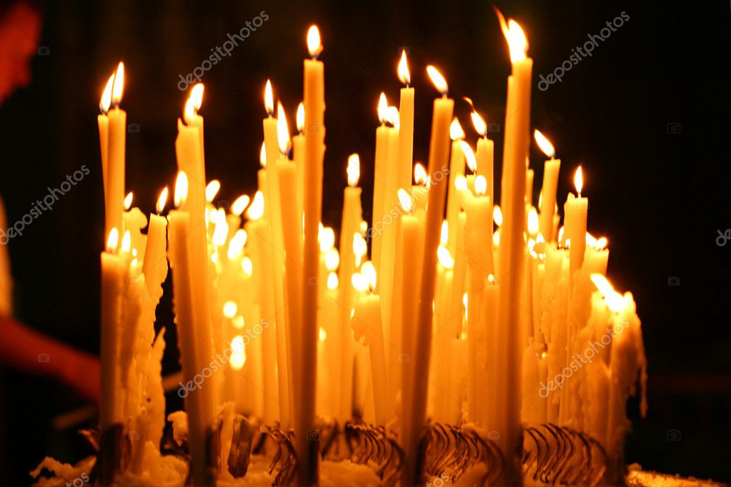 Candles burn fire beautifully gifts of a card — Стоковая фотография #9990186