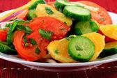 Detailní pohled na ovoce a zeleniny, salát. — Stock fotografie