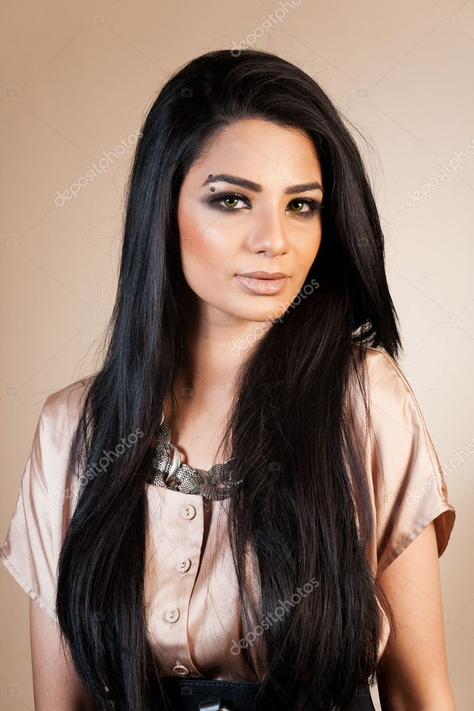 Beauty portrait of an attractive Indian girl — Stock Photo #9856026