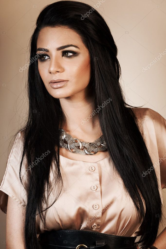 Beauty portrait of an attractive Indian girl — Stock Photo #9856159