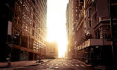 Rue absolument vide de new york tôt le matin — Photo