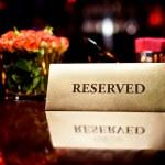 reserverade tecken i restaurang — Stockfoto