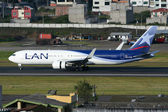 LAN Boeing 767-300 — Stock Photo