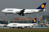 Lufthansa Boeing 747 — Stock Photo