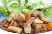 Seitan and salad — Stock Photo