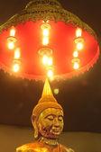 Ljus på buddha — Stockfoto