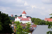 Vilnius oldtown buildings. Gediminas castle. — Stock Photo