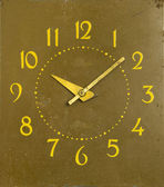 Ancient mechanical clock arrows number of hours — Stock Photo