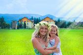 Felicidade de mãe e filha — Fotografia Stock
