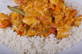 Em red curry tailandês com arroz de frango — Fotografia Stock