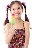 Kız su dondurma ile — Stok fotoğraf