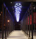 Luces decorativas led copo de nieve durante la temporada navideña — Foto de Stock