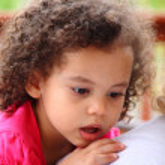 Surprised little girl — Stock Photo
