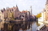 Historical town and canal in Brugge — Stock Photo