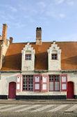 Historický dům v brugge, belgie — Stock fotografie