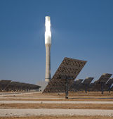 Tower of a solar thermal plant — Stock Photo