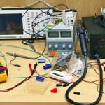 Desktop electrician — Stock Photo