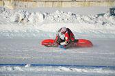 Samara, speedway su ghiaccio, girare su una moto — Foto Stock
