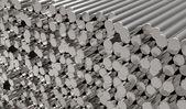 Kovové tyče — Stock fotografie
