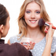 Make up artist doing make up — Stock Photo