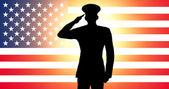Amerikalı bir asker selamlayan — Stok fotoğraf
