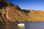 亚利桑那州湖上船 — 图库照片