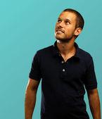 Homem com camisa polo — Foto Stock