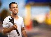 Homem com chave — Foto Stock