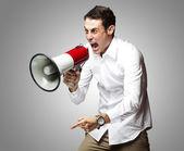 Hombre con megáfono — Foto de Stock