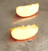 Kırmızı elma ile-metalleri — Stok fotoğraf