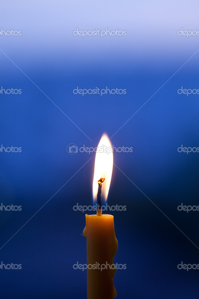 Burning candle — Foto de Stock   #10103061