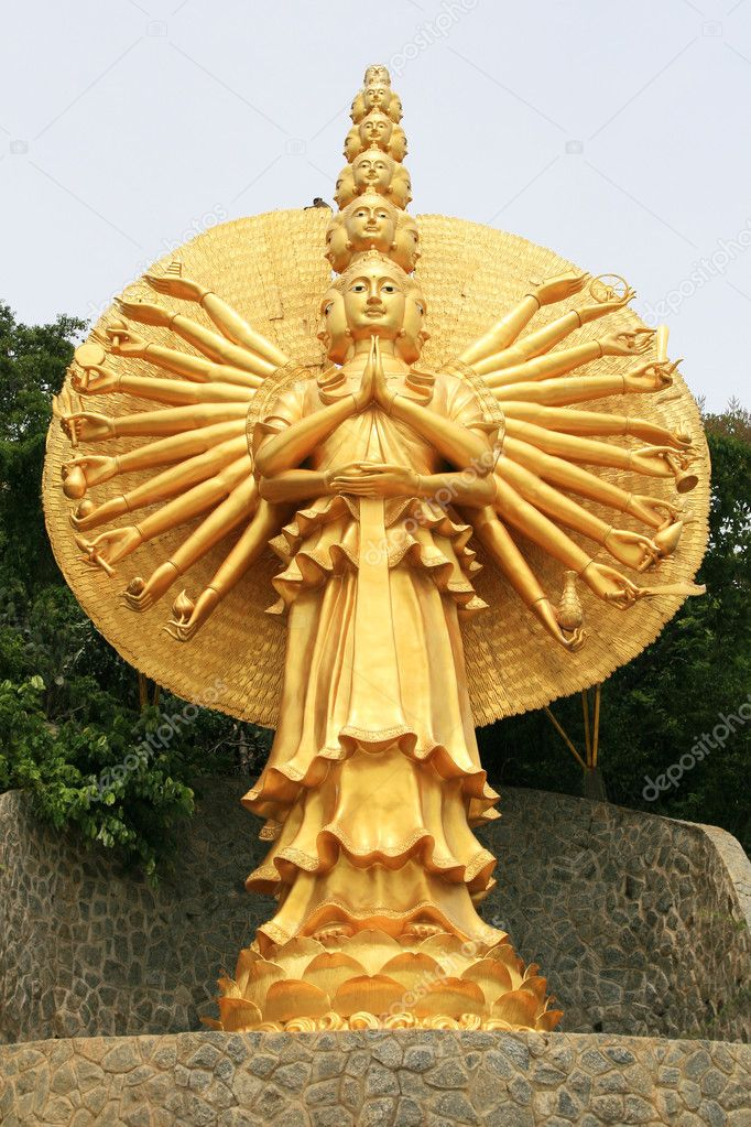 Golden Statue of Guan Yin — Stock Photo #10478534