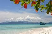 Barco en la playa, tailandia — Foto de Stock