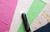Ручная бумага и ручка — Стоковое фото