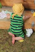 Bebé en jardín — Foto de Stock