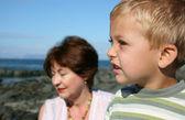 Grand-mère et petit-fils — Photo