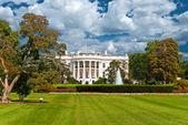白色的房子 — 图库照片