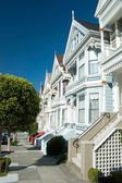 Alamo Square in San Francisco with Victorian houses — Stock Photo