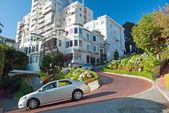 Lombard street in San Francisco — Stockfoto