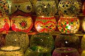 Traditionele vintage turkse glas kaars over licht — Stockfoto
