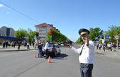 On streets of Slutsk.Staff of GAI keeps order on the road. — Stock Photo