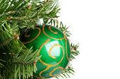 Kerstmis bal op fir-boom — Stockfoto