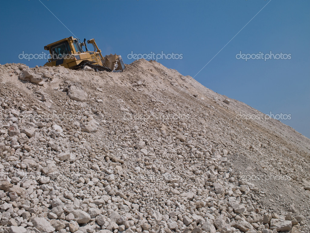 Industrial machinery for sand pit in the sky — Stock Photo #8777338