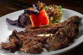 生地と肉を料理します。 — ストック写真