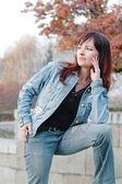 Girl in jeans — Stockfoto