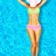 corpo di donna sexy in piscina — Foto Stock